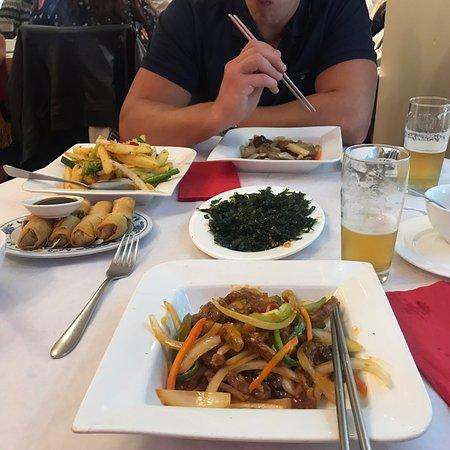 Great food, nice atmosphere.