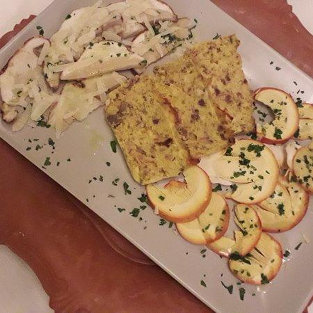 Jolly La Matta: Pan di lepre con funghi porcini ed ovoli. ...come inizio di una cena di caccia. 😊😊😊