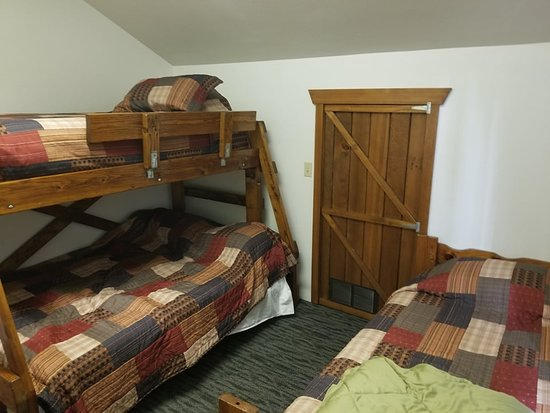 Klawock, AK: Additional room with 2 twin bed and a full-Lots of sleeping space