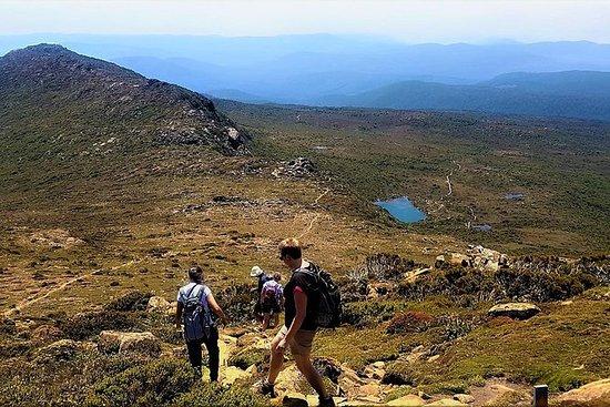 2-Day: Hobart Hiking Tour: Cape Hauy and Hartz Peak