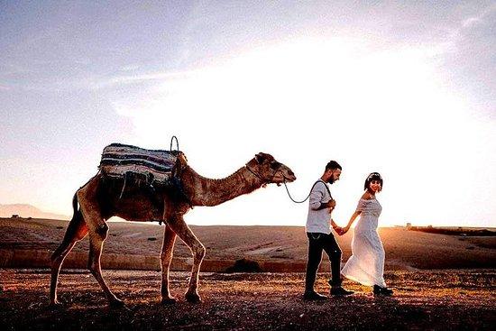 Agafay沙漠,日落和骑骆驼的神奇晚餐