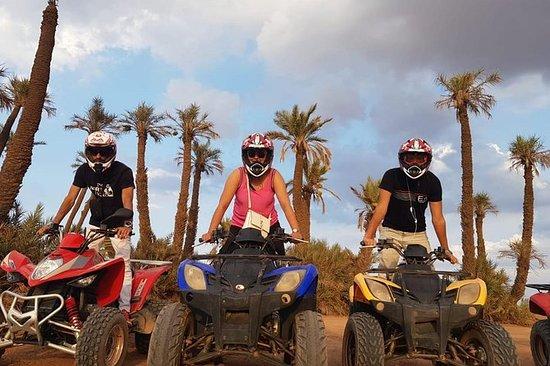 从马拉喀什乘坐半天四轮摩托车和骆驼