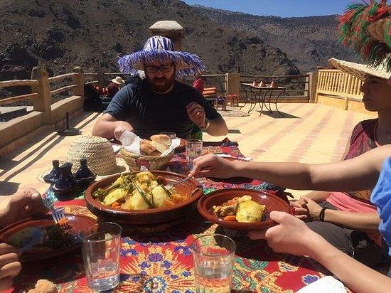 马拉喀什的伊姆利尔,阿特拉斯山脉和柏柏尔人乡村一日游