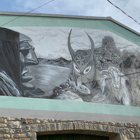Джерджей, Италия: Murales