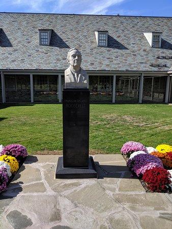 Franklin D. Roosevelt American Heritage Center (FDR Center)