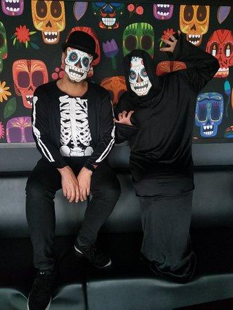 Amarilloissa juhlitaan 25.10-2.11.19 Dia de los Muertos juhlaa.. joka huipentuu 2.11 pidettäviin DDLM-Bileisiin.. tuu messiin!