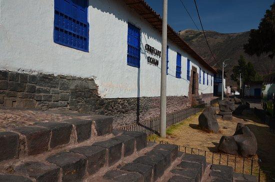 Andahuaylillas před kostelem