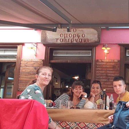 Very busy taverna