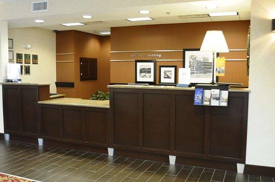 Hampton Inn & Suites Redding