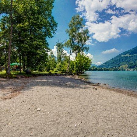 Filzbach, Schweiz: Sandstrand direkt beim Camping