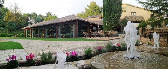 Matadepera, España: Fachada Masia de Can Solà restaurant