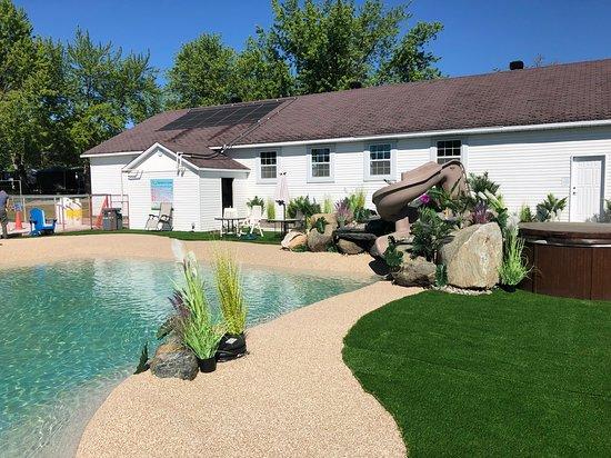 Melbourne, Canada: La piscine du camping