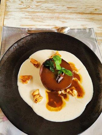 Fondant au chocolat, cœur caramel beurre salé et sa crème anglaise à la dakatine