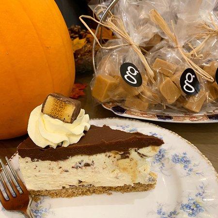 Crunchie Cheesecake and Homemade Clotted Cream Fudge