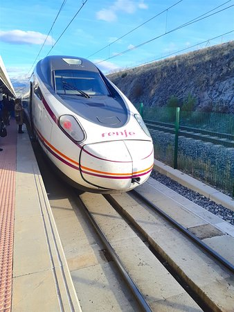 Arriving at the Segovia-Guiomar station
