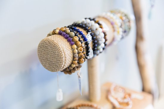 Deep River, Kanada: Meaningful Jewelry - All mala necklaces, bracelets, and earrings are handmade and smudged with intention by Bodhi Wellness Centre owner Kara Foley. Custom orders are available through @shakti.malas on Instagram.