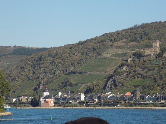 Burg Pfalzgrafenstein: Approaching via K-D boat