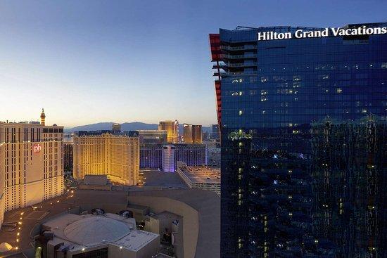 4 Bedroom Suite At Elara Review Of Elara By Hilton Grand