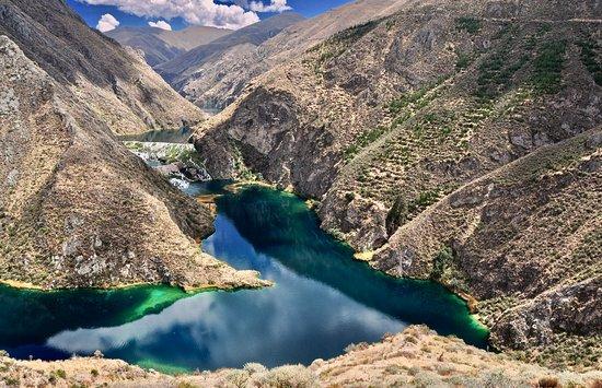 Nor Yauyos-Cochas Landscape Reserve : Lake Huallhua