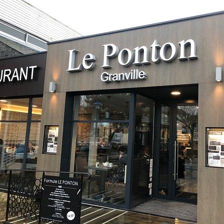 Excellent restaurant au bord du port