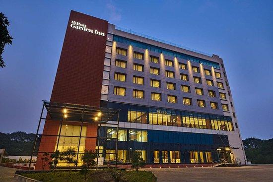 HILTON GARDEN INN LUCKNOW - Hotel Reviews, Photos, Rate Comparison -  Tripadvisor