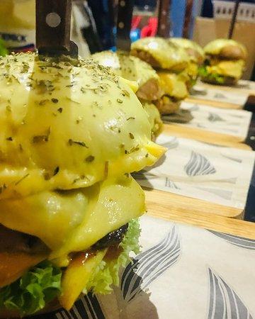 Disfruta la Hamburguesa la de Atlixco , única en sabor en bacalar