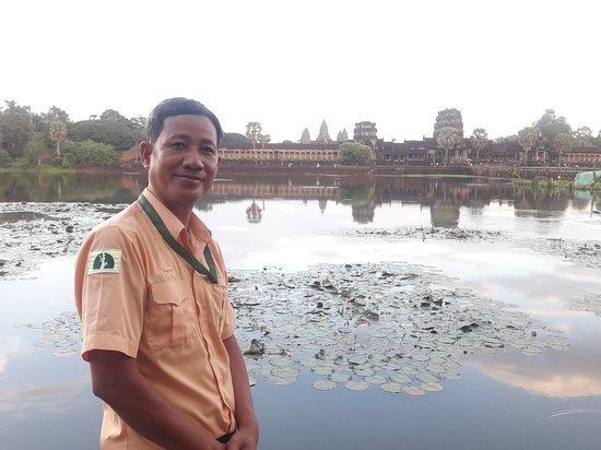Premier Angkor Tours: Bunhak  at Angkor wat  Premier Angkor Tours