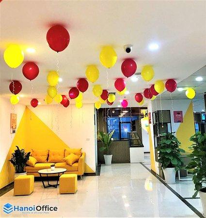 Duy Tien, Vietnam: Phòng làm việc cho thuê tại Hanoi Office là dịch vụ cho thuê văn phòng trọn gói (Serviced Office) hay còn được biết đến với các tên gọi khác như: Văn phòng tiện lợi (Easy Office) - văn phòng thông minh (Smart Office). ►►►Xem chi tiết ưu đãi tại link: https://hanoioffice.vn/phong-lam-viec-rieng