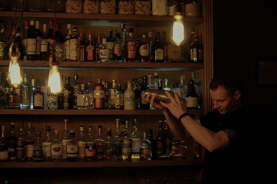 Take it Easy: bartender