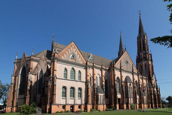 Vista lateral da igreja.