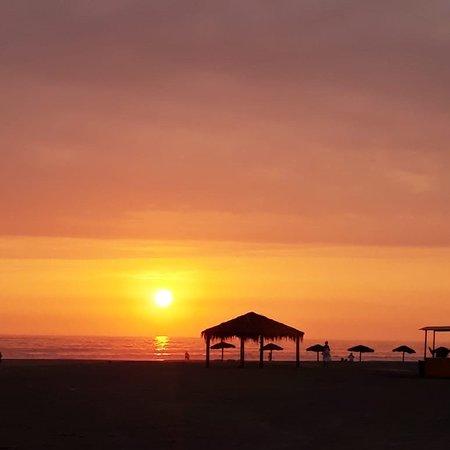 San Antonio, Perú: Observar el sunset desde sus inicios hasta su final, es recordar las grandes maravillas que tenemos. Es una visión única.