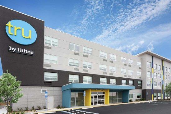 Tru by Hilton Jacksonville St. Johns Town Center Hotel