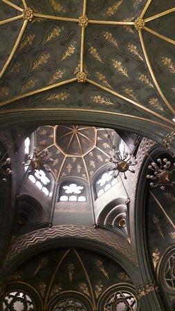 Chiesa Sacro Cuore di Maria: La cupola vista dall'interno (particolare)