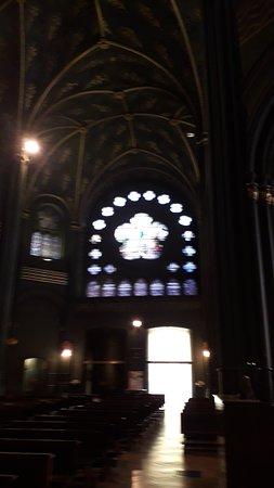 Chiesa Sacro Cuore di Maria: Il bellissimo rosone visto dall'interno