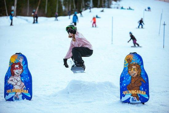 Rottneros, Σουηδία: Ski Sunne med VÄIF Snowboardklubb i Smirre