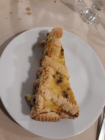 Granaglione, Italien: crostatina ....