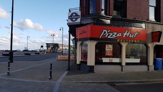 Pizza Hut Douglas 1 5 Walpole Avenue Restaurant Reviews