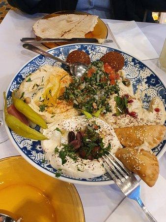 """Comida """"árabe"""" em ambiente bonito e aconchegante em Leeds"""