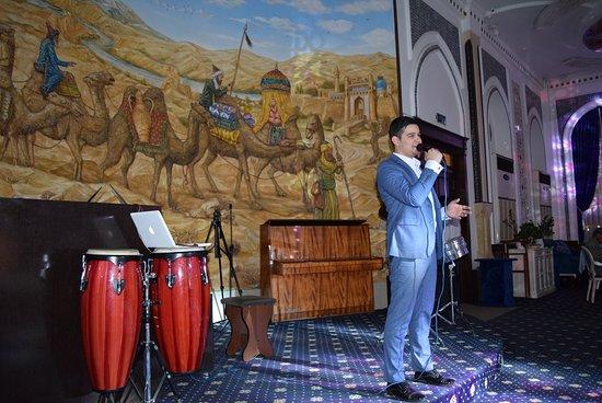 Theatre of the Silk Ipak Yoli : 音楽が。