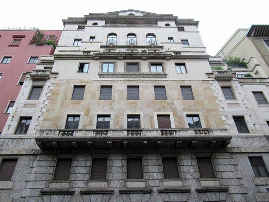 Casa di via Serbelloni 8