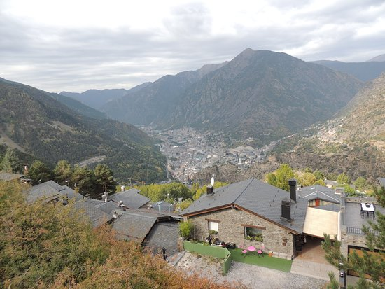 Engolasters, Andorra: View of valley