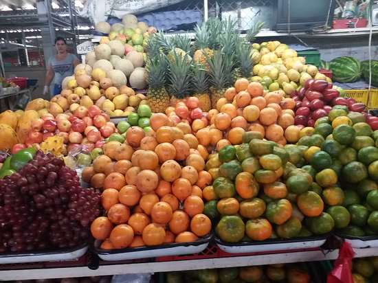 Tena, Colombia: Fruits available in this amazing space