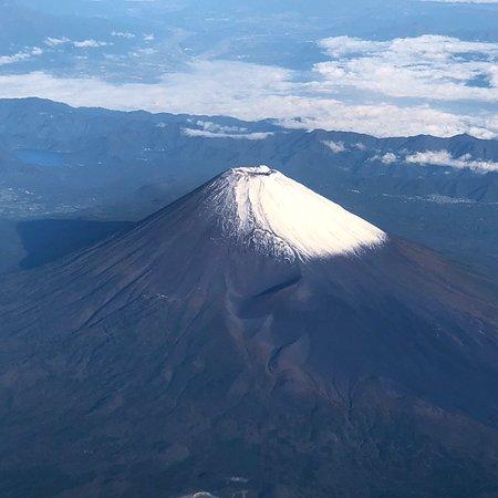 Fujisan Juku no Mori: 羽田→伊丹便 初冠雪の富士山
