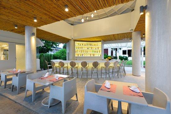 Twin Lotus Resort & Spa: BEACH RESTAURANT