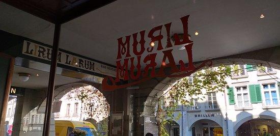 Restaurante Lirum Larum - simples mas muito bom