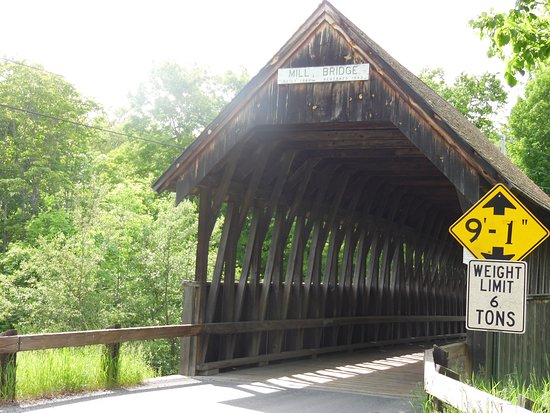 ‪Meriden Covered Bridge‬