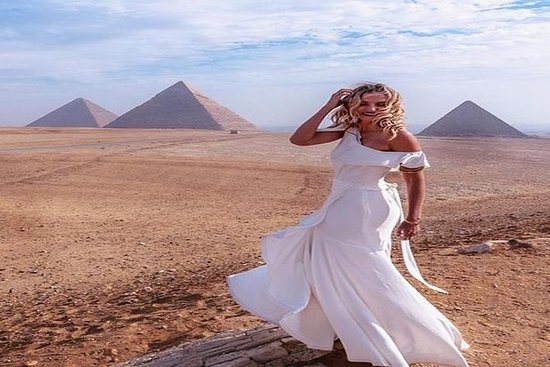 Private Guided Tour for Families to Saqqara Dahshur and Giza including Camel Ride and Lunch from Cairo: Private Guided Tour for Families to Saqqara Dahshur and Giza including Camel Ride and Lunch from