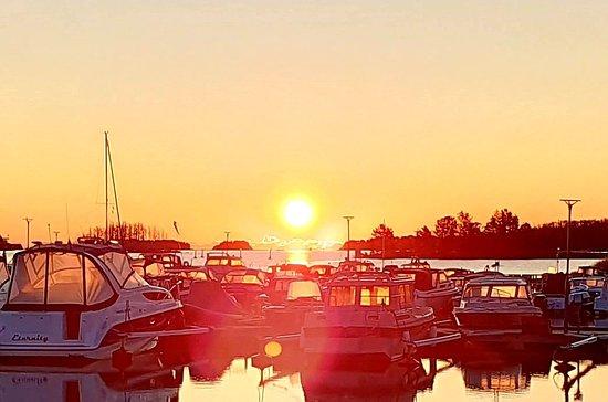 Sandarne Båtklubb är en ideell förening och bildades den 6e september 1957. Vi har gästhamn/ställplats, bränslestation, båttvätt och septik