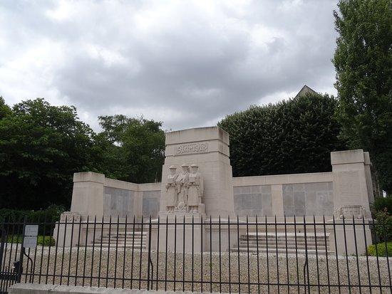 Monument aux morts de la Seconde Guerre mondiale