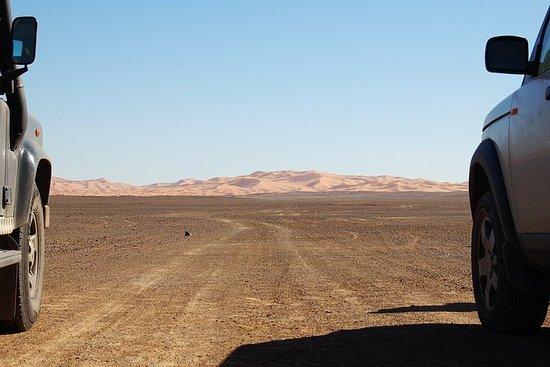 4x4游览:穿越沙漠